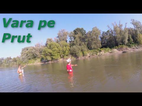 Pescuit Vara La Pluta Pe Raul Prut