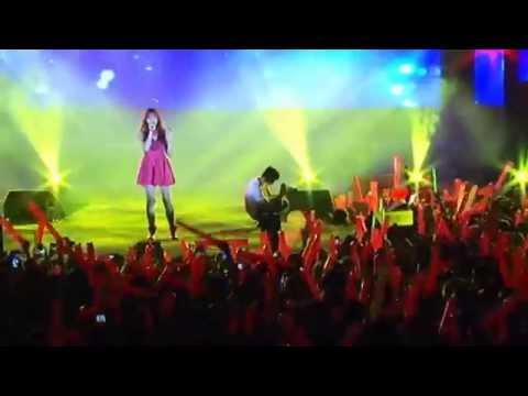 "Hari Won với ""Hoa Tuyết"" tại KFC SoGood Concert"