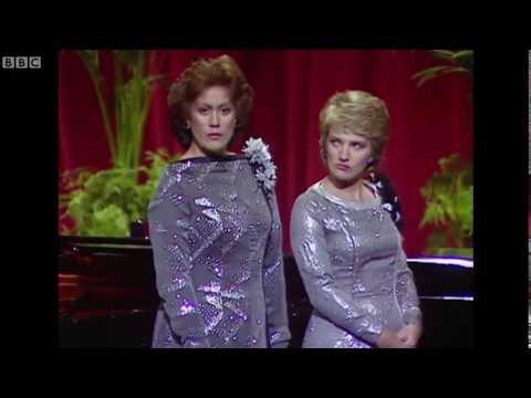 Kiri Te Kanawa & Norma Burrows | Rossini's Cat Duet