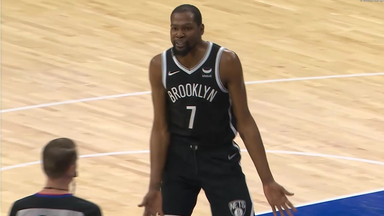 Kevin Durant yells at ref and gets a T 👀 Nets vs Sixers