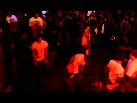 Emmure - Hardcore Dance - Second Hand Smoke live (HD) + Lyrics