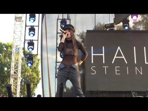 """Hailee Steinfeld Covers Justin Bieber's """"Love Yourself"""" at L.A. Pride Festival"""