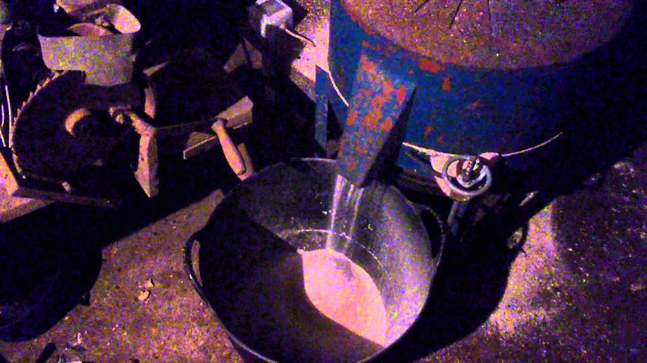 Molino de piedra moliendo trigo youtube - Molino de trigo ...