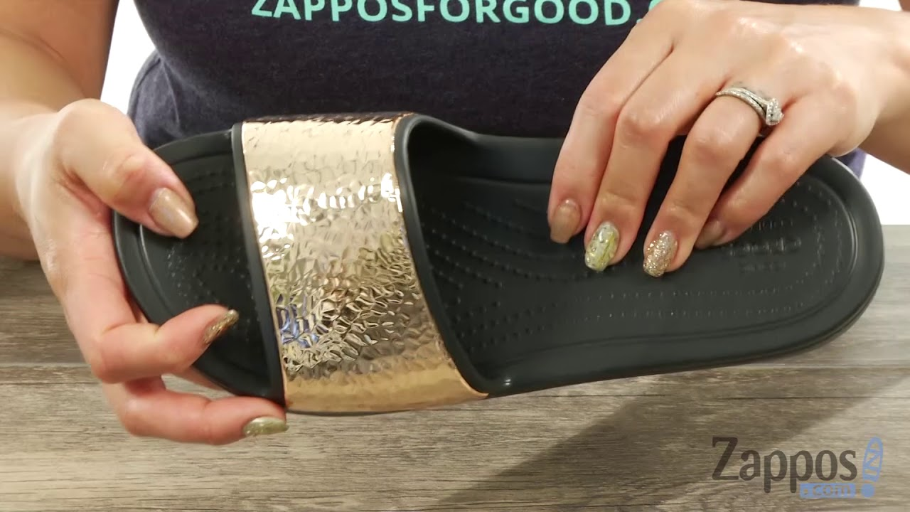 49fbc73e2040d6 Crocs Sloane Hammered Metallic Slide SKU  8990925 - YouTube