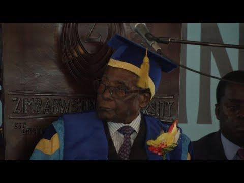 Zimbabwe : retenu par l'armée, Robert Mugabe préside tout de même une cérémonie
