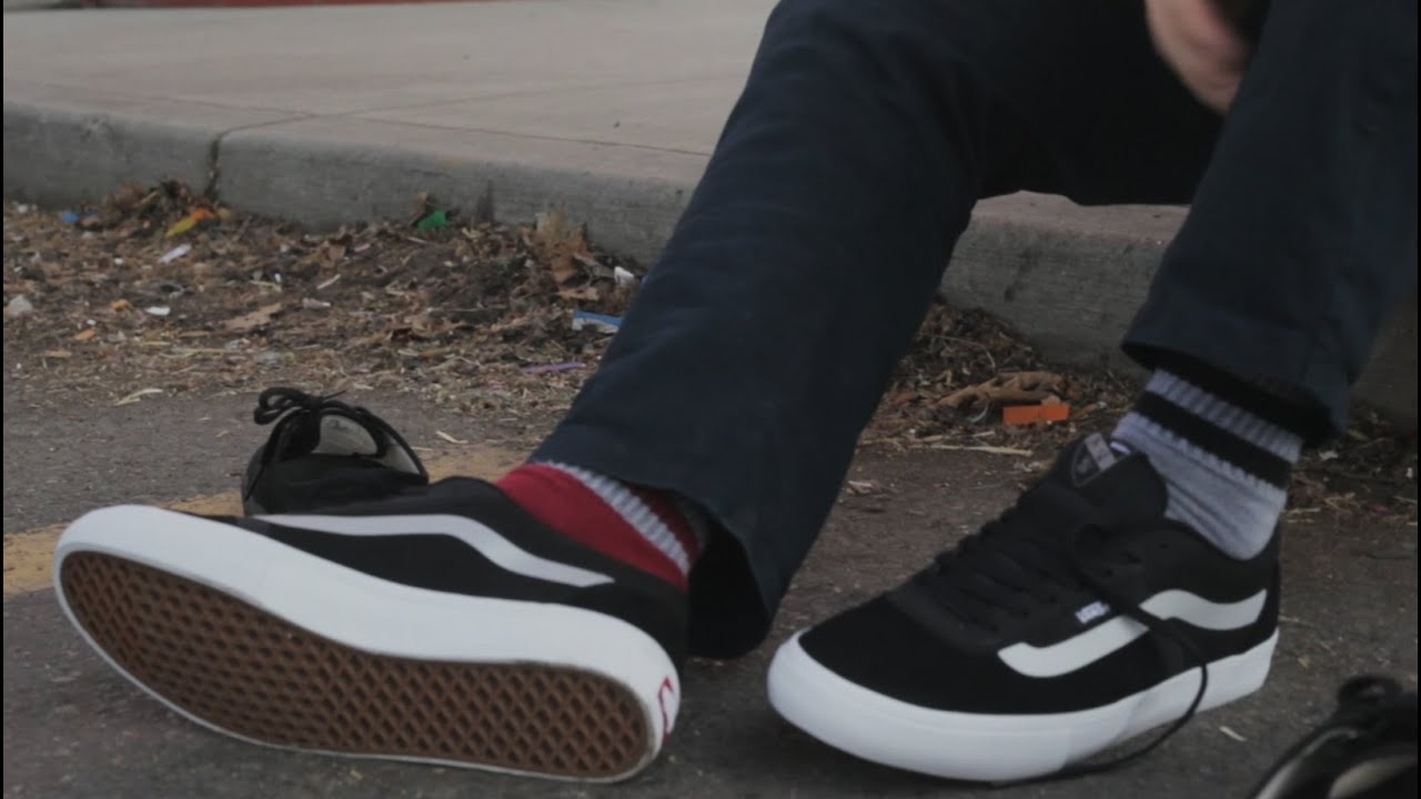 31c694f65a2b77 100 Kickflips In The Vans AV RapidWeld Shoes - YouTube