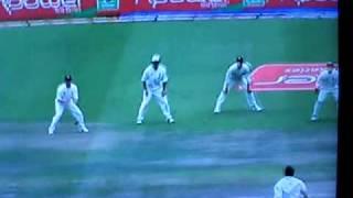 Younis Khan Worst Shot in Cricket History thumbnail