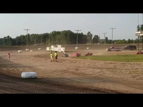 Ryan Read #25r mini wedge heat race@ I-96 speedway 7/26/19