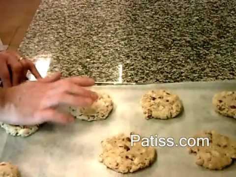 recette-des-cookies-au-chocolat-blanc-et-noisettes