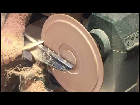 Making a plate from red birch wood - turning