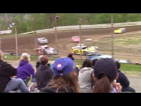Hummingbird Speedway (5-20-17): Swanson Heavy Duty Truck Repair Semi-Late Model Heat Race #1