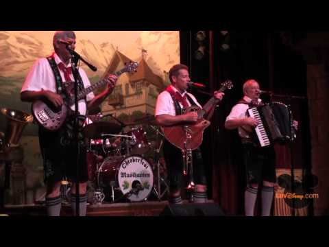 Oktoberfest Musikanten Full Show
