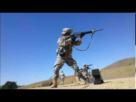 Shooting M16A2 in Burst and Semi.