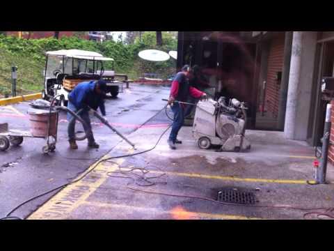 2010.12.20-concrete sawing 1.MOV