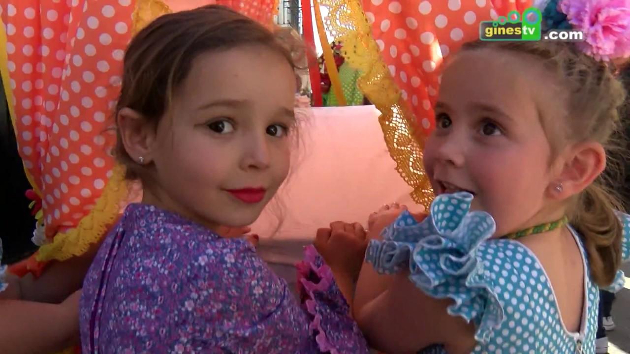 """Los niños y niñas de Gines celebran su Rocío con la salida de las """"carretas chicas"""""""