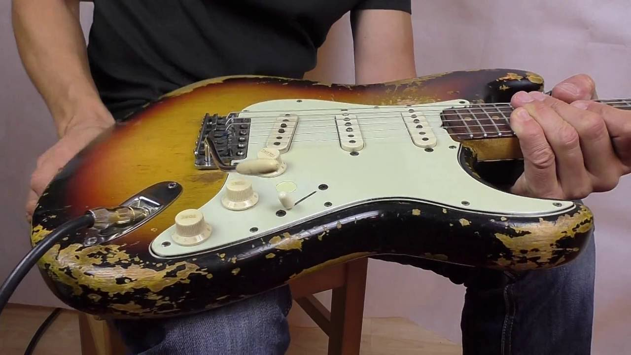 6 whammy bar tricks with a vintage tremolo of a Vintage Fender Stratocaster  (1962)