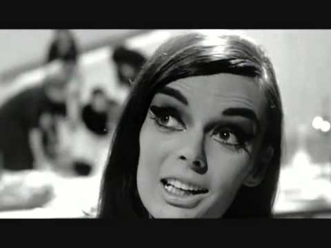 Otto e mezzo, la scena dell' harem. Fellini