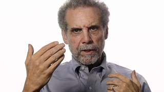 Daniel Goleman Suggests Ways to Boost Emotional Intelligence thumbnail