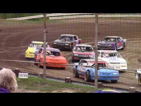 Hummingbird Speedway (5-20-17): Sunny 106.5 FM Pure Stock Heat Race