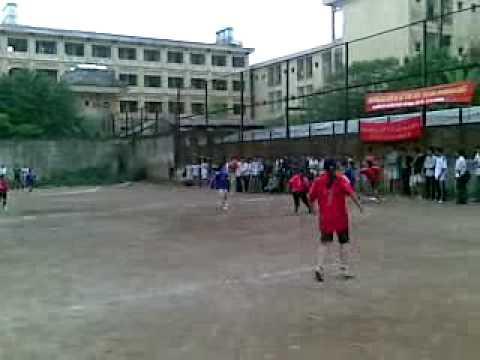 bóng đá nữ Khoa Mỏ gặp Khoa điệnMỏ Địa Chất
