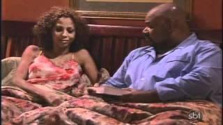 Mais que uma Família (Like Family) - Episódio 16 - Mulher no Trabalho