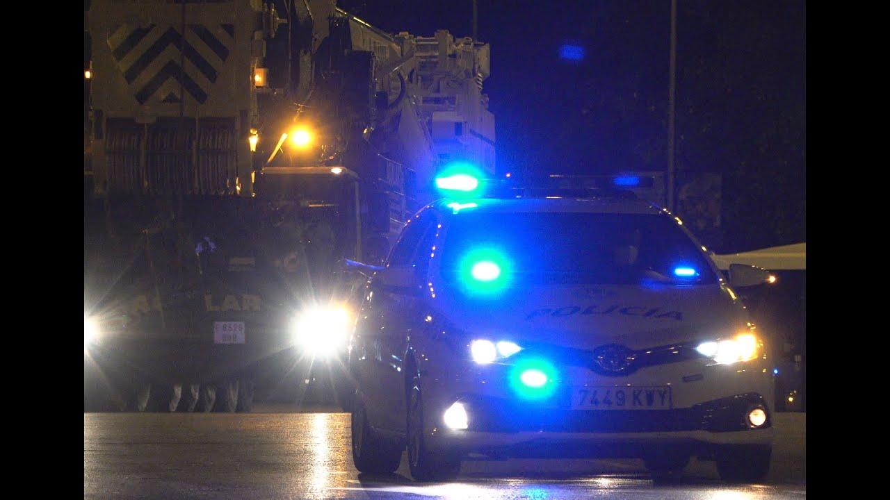 Escolta a grúa Liebherr LTM 1500. Policía Punicipal y Gruas Aguilar
