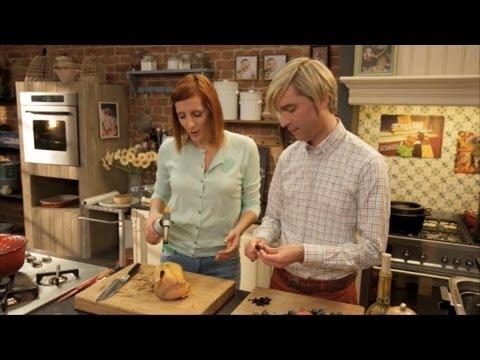 Parelhoen met druifjes portosaus en bieslookkroketjes for De keuken van sofie pizza