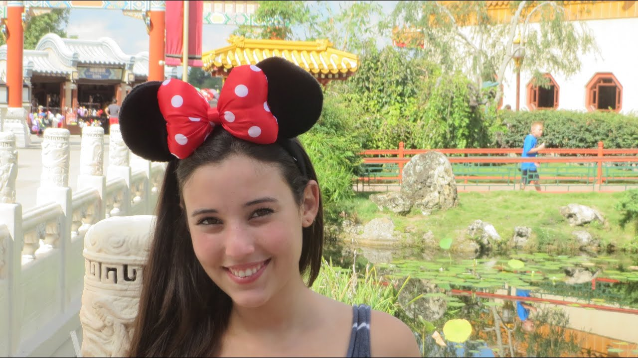 Touring epcot with angie varona doovi for Angie s african cuisine