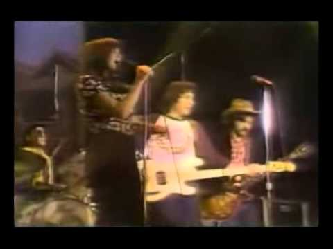 Flashback: See Linda Ronstadt, Nitty Gritty Dirt Band Rip Through Hank Williams Classic