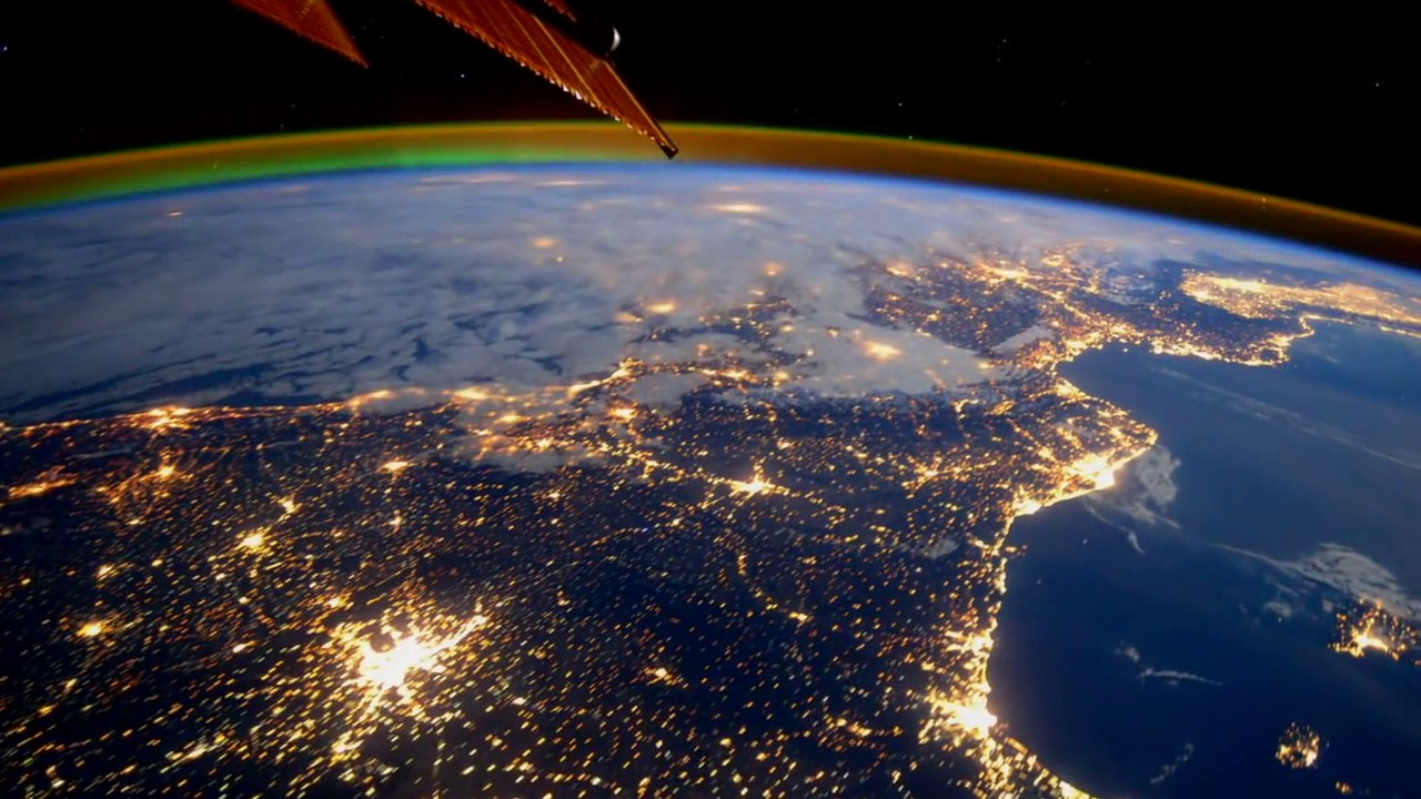 ISS Views of Earth | Space-Ambient | Video - YouTube