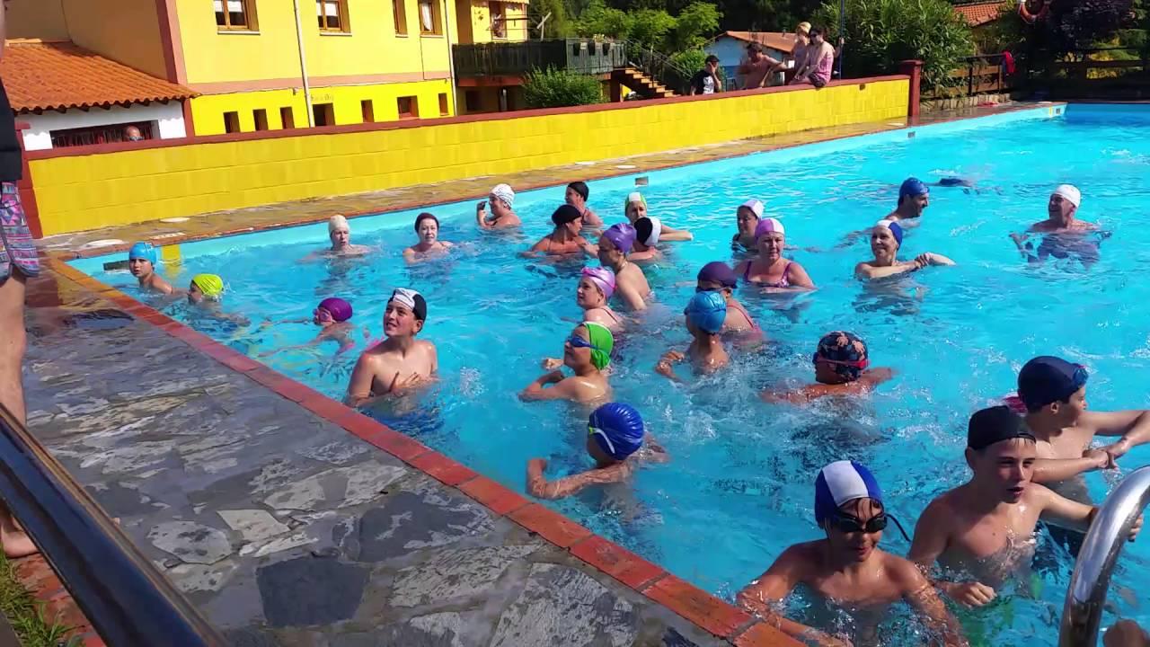 Aquagym en camping villaviciosa fiesta en la piscina for Camping en la rioja con piscina