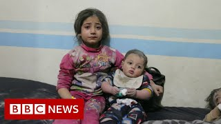 Syria war: Hundreds of thousands flee as airstrikes continue  - BBC News