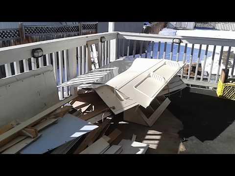 Mobile Home Renovation - Demolition! : E008 / BC Renovation Magazine