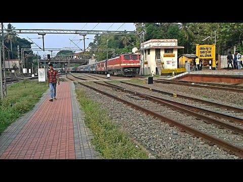 Tricolored Kozhikode - Trivandrum Jan Shatabdi Express mass entry Aluva