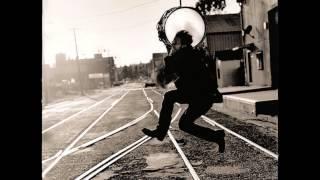 Tom Waits - Lucinda (Brawlers)