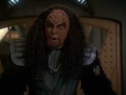 General Martok and Captain Sisko Discussing Marriage