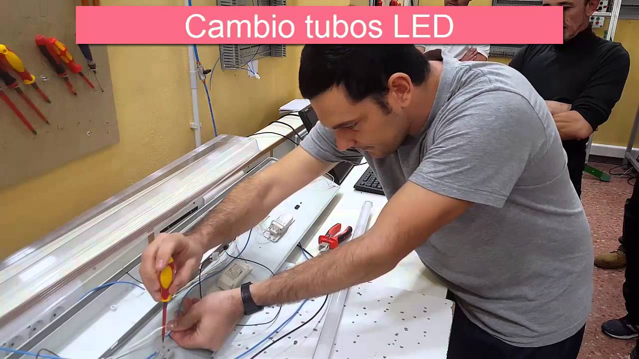 cambio de tubos fluorescentes a tubos leds en pantallas. Black Bedroom Furniture Sets. Home Design Ideas