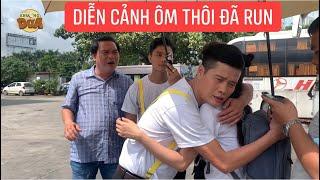 Khương Dừa run muốn rớt tim ra ngoài khi quay cảnh ôm bạn gái trong phim Bánh Mì Ông Màu