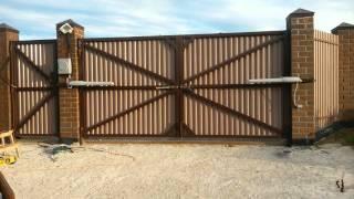 Распашные автоматические ворота.(Фундамент, столбы, сами ворота - все сделано своими руками. Автоматика Nice, самый дешевый комплект. Устанавли..., 2016-02-11T20:24:53.000Z)