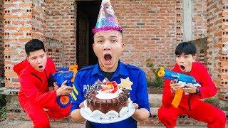 Battle Nerf War: Birthday Cake Competition Nerf Guns Battle