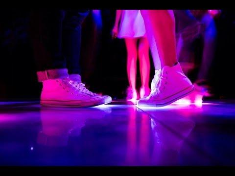 รักรอที่ฟลอร์เต้นรำ - Yokee Playboy (Official MV)