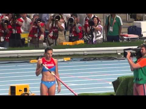 Елена Исинбаева идет на рекорд 5.07 Чемпионат мира по легкой атлетике 13.08.13