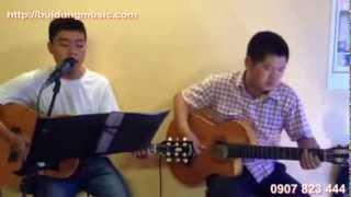 Cung cấp ca sĩ toàn quốc: ghi ta biểu diễn phòng trà