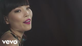 Dami Im - There's a Kind of Hush (All Over the World)