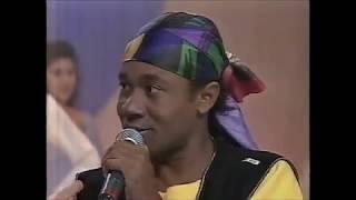 Zé Paulo cantando ''Carminha'' no ''Sabadão Sertanejo'' (SBT - 15/04/1995)
