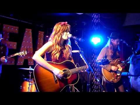 Kacey Musgraves - Stupid (live) - Whelans, Dublin - 11-10-2013