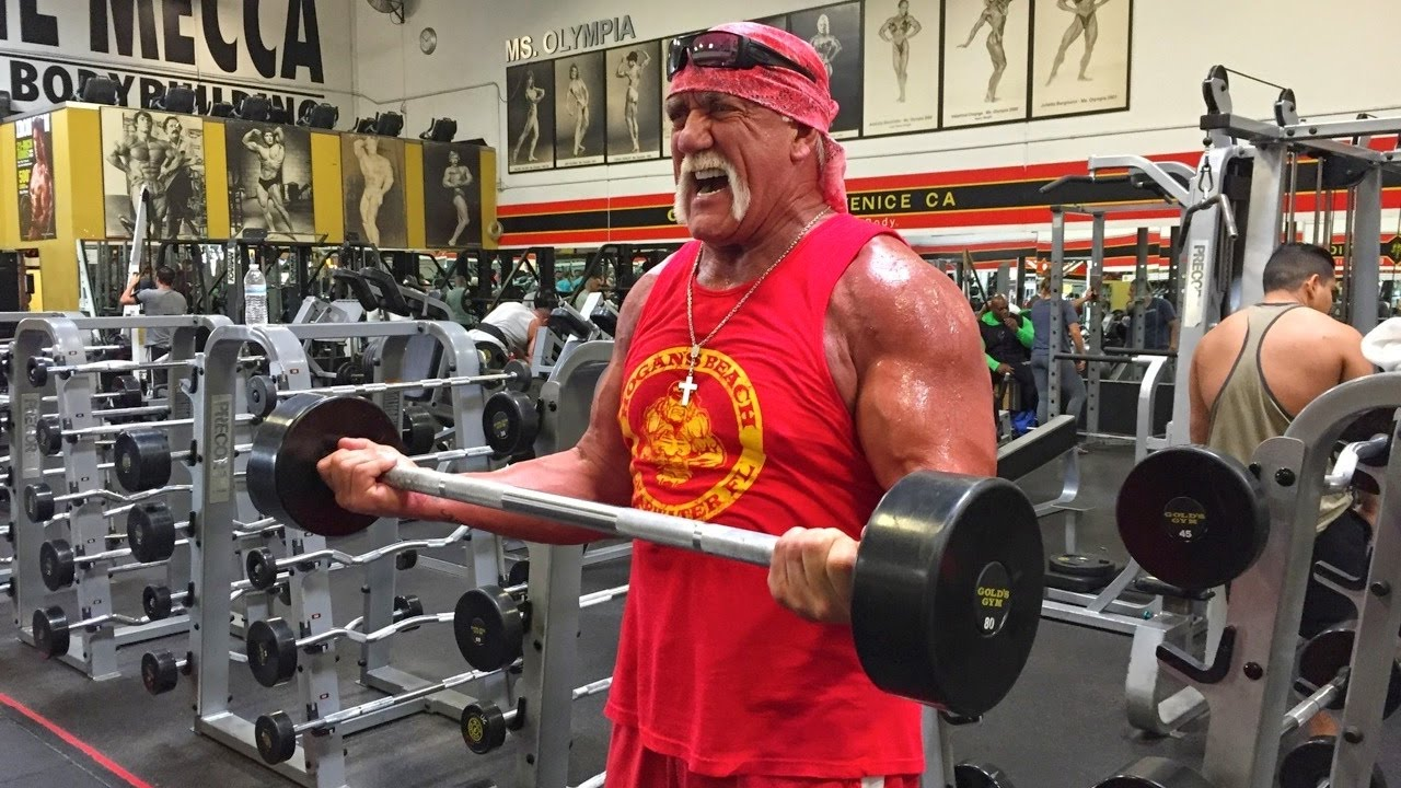 Hulk Hogan Lifting