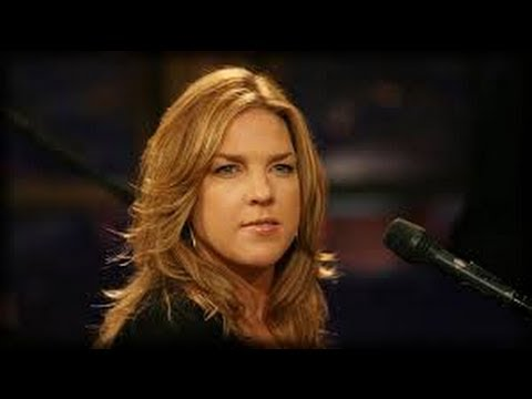 Jazz Singer Diana Krall - 30 Minute Exclusive BBC Interview & Life Story