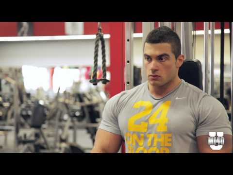 Ben Pakulski Shows How to Build Titan Triceps with John