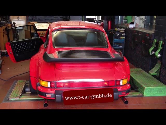 Testlauf Porsche 911 2,8RSR mit innenliegenden Endrohren